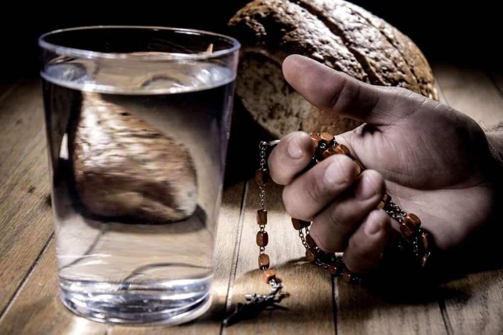 Posso abdicar de refeições como penitência na Quaresma?