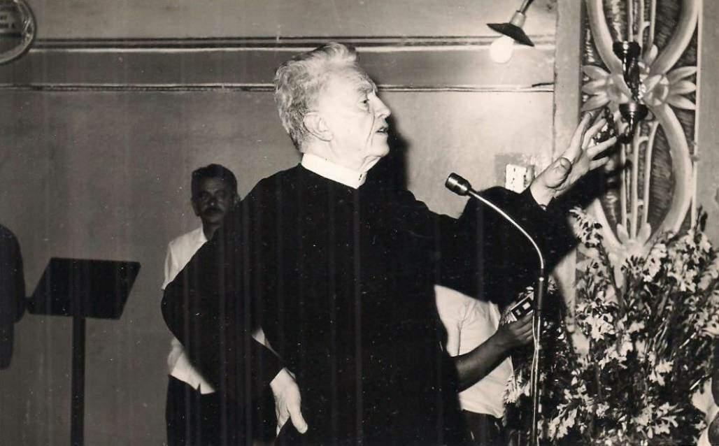 Padre Vítor Coelho na Rádio Aparecida (Comissão do Patrimônio Histórico Provincial )